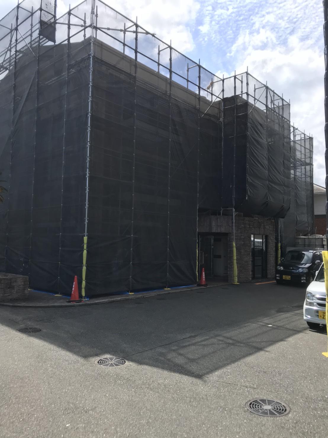 福岡市西区  3階建て 2棟 足場工事