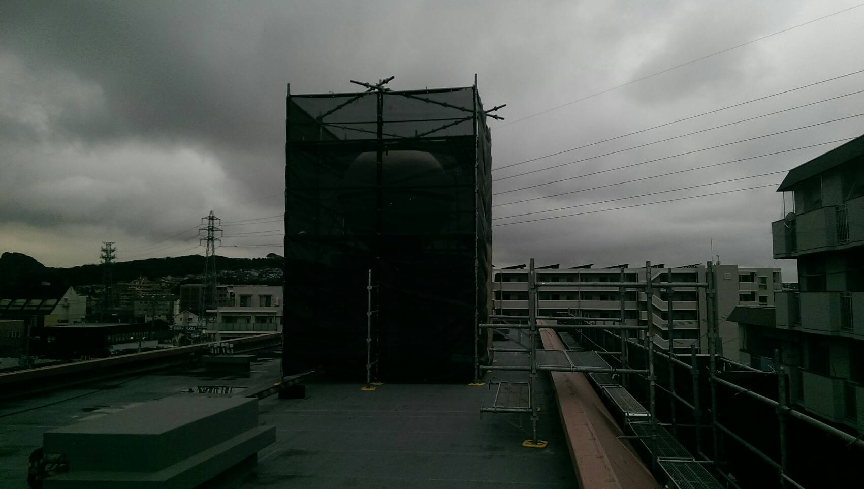 福岡県福岡市中央区  14階建マンション 大規模改修工事 足場②