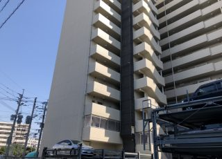 福岡県福岡市東区 15階建マンション 部分足場工事※一部上空で吊り足場になっています。②