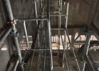 福岡県福岡市東区 九州大学病院内 機械室内 内部棚足場工事②
