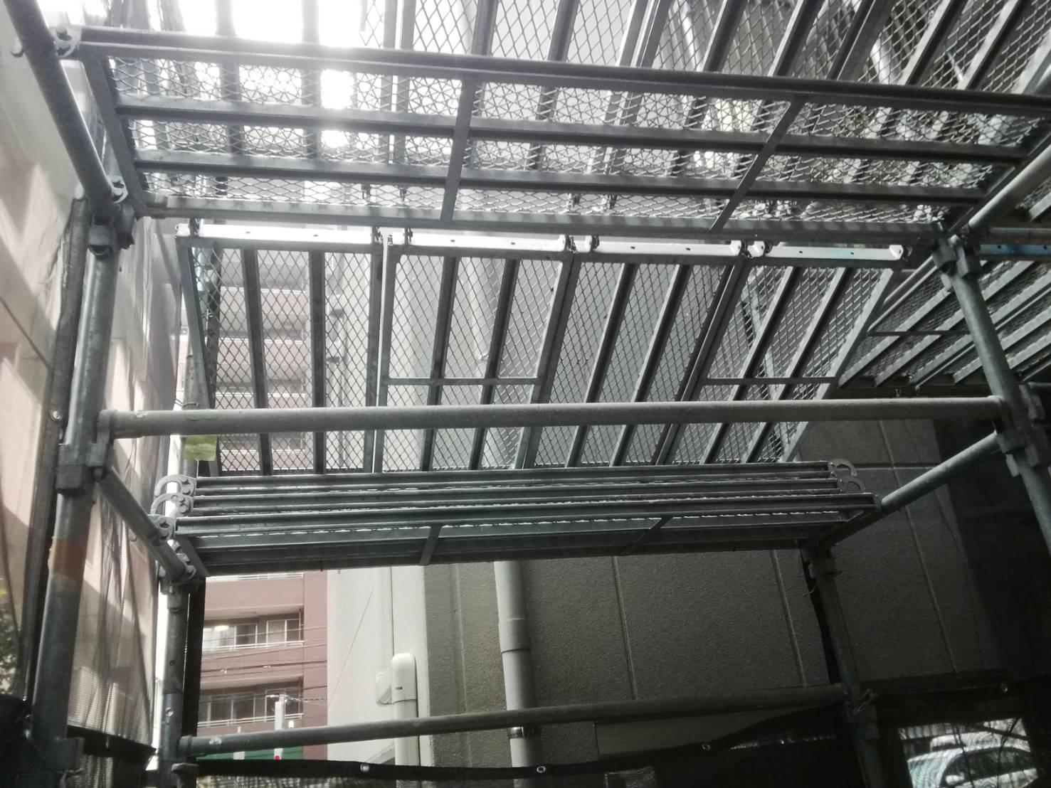福岡県福岡市中央区 ライオンズマンション改修工事 足場②