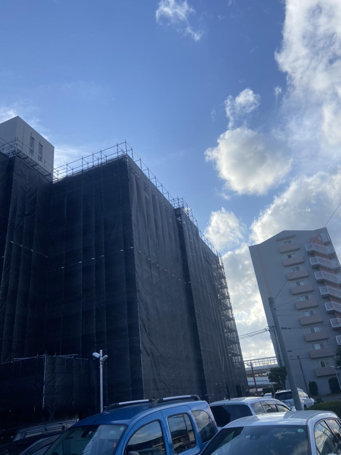 福岡県福岡市東区名島 強風対策にてシート養生②
