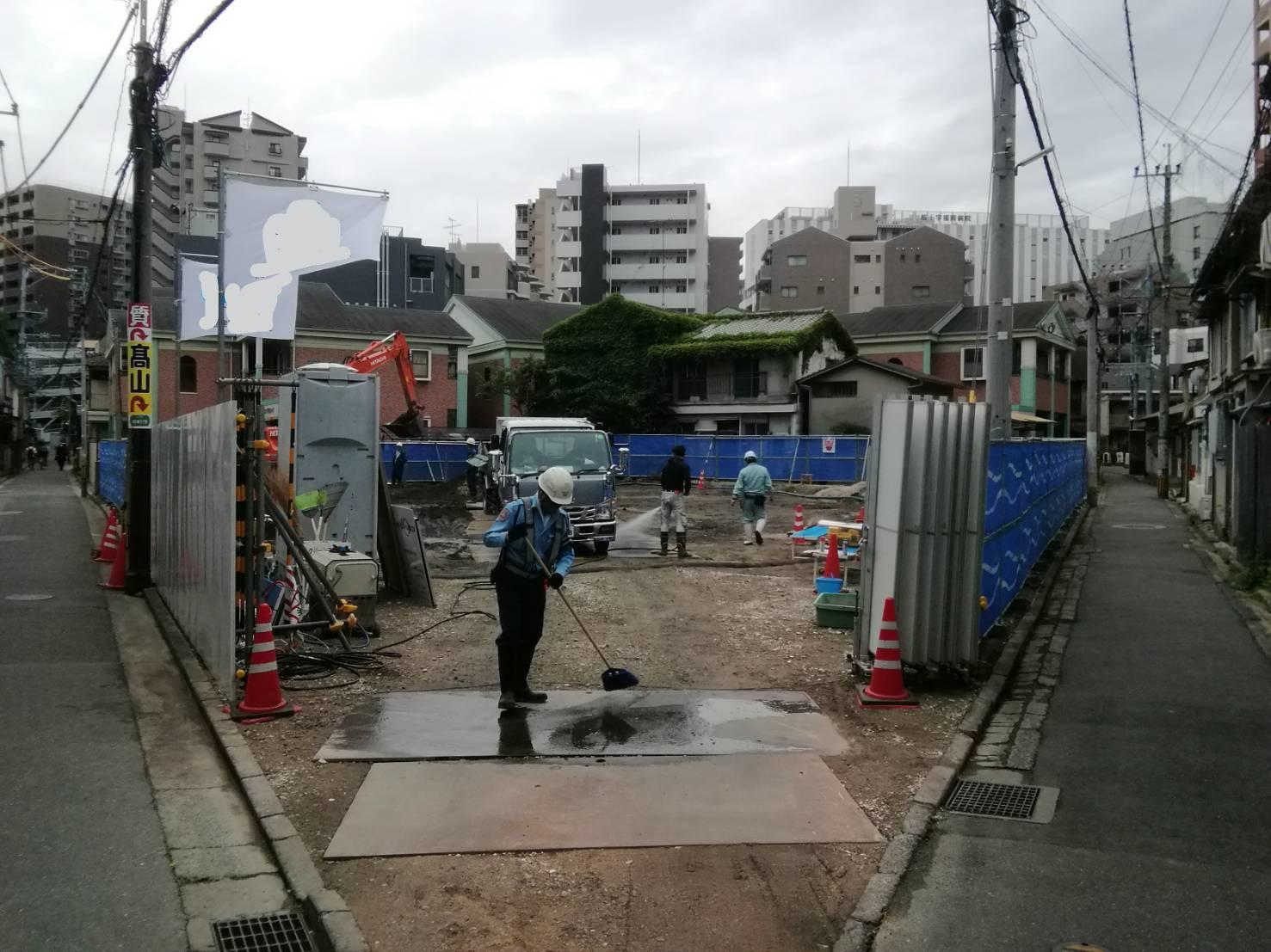 福岡県福岡市中央区 新築現場仮囲い足場工事②